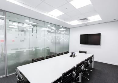 meeting-room-730679_960_720-9696e5963845808e1c0e8cd36265eeea.jpg